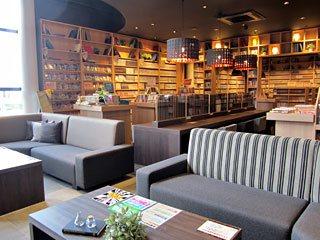 近く の 漫画 喫茶店