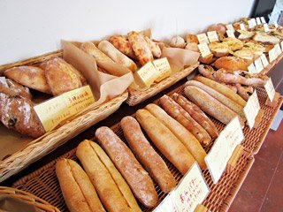 屋 近く の 美味しい パン